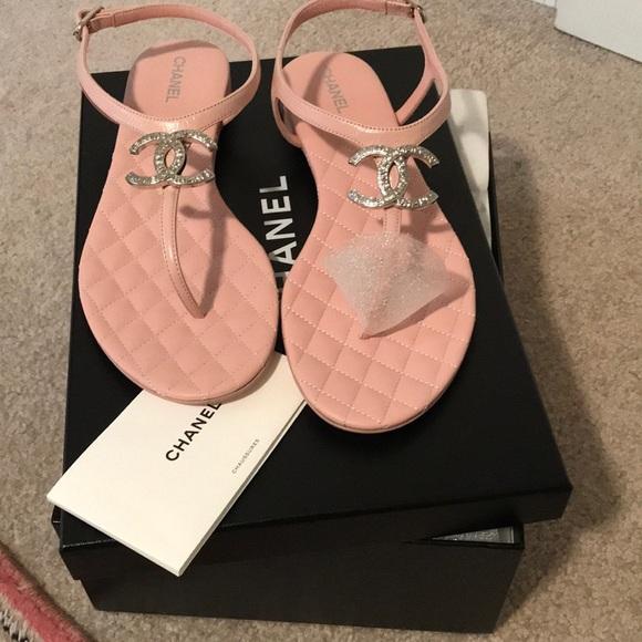 f3fa5eeb987 Brand NEW NIB Chanel Size 38 CC sandals